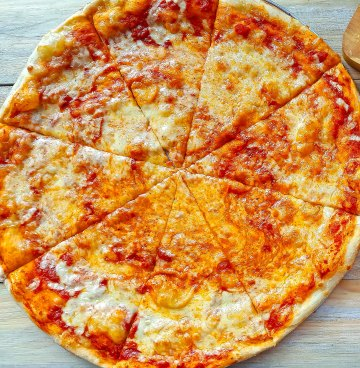 White Cheese Pizza